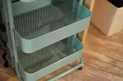 小物はカゴの中に収納できます。(2014-07-12,共用部,KITCHEN,4F)