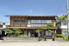 シェアハウスの外観。元々は民宿だった建物です。(2013-05-17,共用部,OUTLOOK,1F)