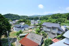 窓からの景色。高台にあるため、とても開放的です。(203号室)(2017-07-13,専有部,ROOM,2F)