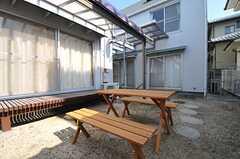 庭の様子。濡れ縁には庇(ひさし)が付いています。(2014-03-17,共用部,OTHER,1F)