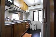 キッチンの様子。(2011-11-27,共用部,KITCHEN,4F)