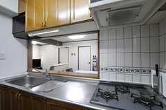キッチンの様子2。(2011-11-27,共用部,KITCHEN,4F)