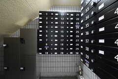 宅配ボックスと郵便受けの様子。(2019-04-13,周辺環境,ENTRANCE,1F)