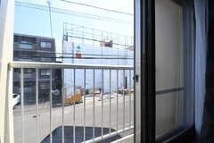 窓からの景色。(213号室)(2019-04-13,専有部,ROOM,2F)