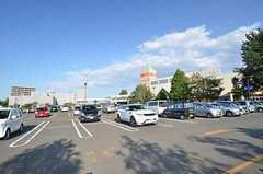 JR函館本線・手稲駅前には大型スーパーがあります。(2014-09-16,共用部,ENVIRONMENT,1F)