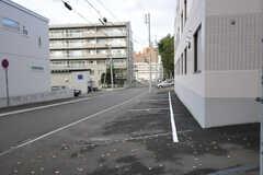 駐車場の様子。(2013-10-21,共用部,GARAGE,1F)