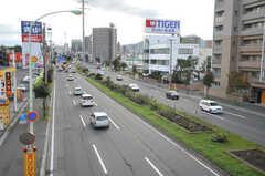 シェアハウスから札幌市営地下鉄・白石駅へ向かう道の様子3。(2013-10-21,共用部,GARAGE,1F)
