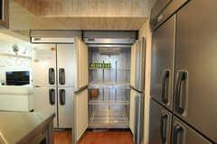 冷蔵庫は大容量です。(2013-08-27,共用部,KITCHEN,1F)