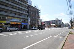 札幌市営地下鉄南北線・麻生駅前の様子。(2013-08-27,共用部,ENVIRONMENT,1F)