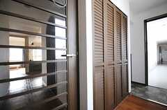 玄関周辺の様子。(802号室猫部屋)(2013-03-25,周辺環境,ENTRANCE,8F)
