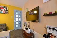 共用TVは壁掛けです。(2015-01-21,共用部,TV,3F)