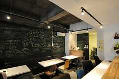 Coworking Cafe 36店内の様子2。大きな黒板です。(2012-10-03,共用部,OTHER,1F)