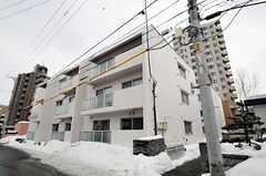 通りから見たシェアハウスの外観。(2011-03-12,共用部,OUTLOOK,1F)