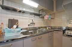 シェアハウスのキッチンの様子。(2011-03-12,共用部,KITCHEN,1F)