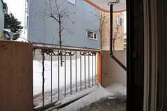 ベランダの様子。(122号室)(2012-02-21,専有部,ROOM,1F)