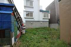 建物裏には庭があります。(2012-10-03,共用部,OTHER,1F)