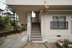 団地の階段の様子。(2012-03-23,共用部,OUTLOOK,1F)