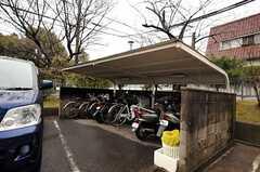 団地内の駐輪場の様子。(2012-03-23,共用部,GARAGE,1F)