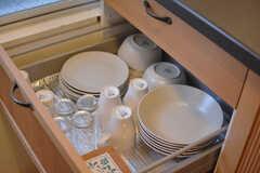 食器は引き出しに収納されています。(2015-02-03,共用部,KITCHEN,1F)