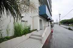 シェアハウスの正面玄関。(2011-05-28,周辺環境,ENTRANCE,1F)