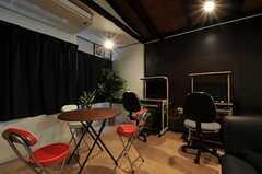 シアタールームにはPCが2台あります。(2011-05-28,共用部,LIVINGROOM,1F)