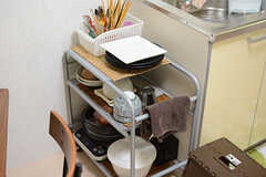 食器類はワゴンに収納されています。(2017-10-11,共用部,KITCHEN,1F)