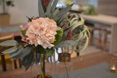 ドライフラワーの造花が飾られています。(2019-10-08,共用部,LIVINGROOM,1F)