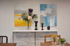飾り棚は移動させるとカウンターテーブルとしても使えます。(2019-10-08,共用部,LIVINGROOM,1F)