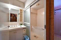 脱衣室に設置された洗面台の様子。(2017-04-04,共用部,BATH,3F)