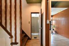 階段脇にもトイレが設置されています。(2019-06-11,共用部,OTHER,1F)
