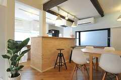 カウンターの様子。奥にキッチンがあります。(2014-03-10,共用部,LIVINGROOM,1F)