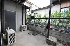 窓の外は共用の庭です。(103号室)(2014-03-10,専有部,ROOM,1F)