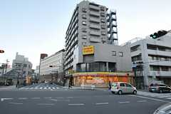 シェアハウスから阪急・伊丹駅へ向かう道の様子。(2014-03-10,共用部,ENVIRONMENT,2F)