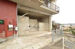 自転車置き場の様子。(2016-04-05,共用部,GARAGE,1F)