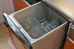 食洗機の様子。(2012-07-14,共用部,KITCHEN,2F)