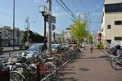 神戸市営地下鉄山手線・上沢駅前の様子。(2014-09-29,専有部,ROOM,1F)