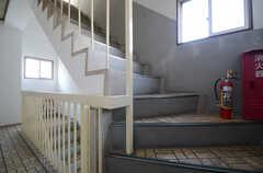 階段を上がると屋上に出られます。(2015-10-20,共用部,OTHER,5F)