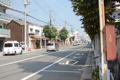 バス停の前の通りの様子。(2017-10-11,共用部,ENVIRONMENT,1F)