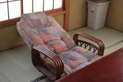 座椅子はリクライニング式です。(203号室)(2019-03-26,専有部,ROOM,2F)