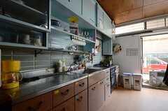 キッチンの様子2。(2013-04-01,共用部,KITCHEN,1F)