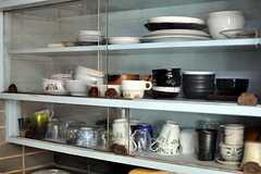 食器は揃っています。(2013-04-01,共用部,KITCHEN,1F)