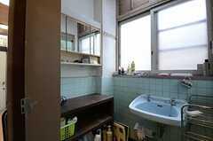 バスルームの脱衣室の様子。(2013-04-01,共用部,OTHER,1F)