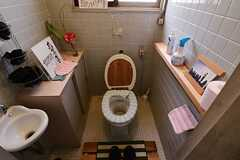 ウォシュレット付きトイレの様子。(2013-04-01,共用部,OTHER,2F)