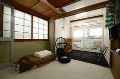 専有部の様子2。※家具・小物は住人さんの私物です。(101号室)(2013-04-01,専有部,ROOM,1F)