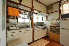 キッチンの様子2。(2013-03-30,共用部,KITCHEN,1F)