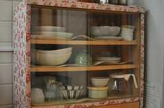 食器棚の様子。(2013-03-30,共用部,KITCHEN,1F)