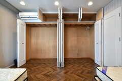 クローゼットの様子2。たっぷり収納できます。(301号室)(2018-03-14,専有部,ROOM,3F)