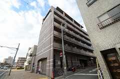 マンションの外観。最上階のワンフロアがシェアハウスです。(2013-03-14,共用部,OUTLOOK,1F)