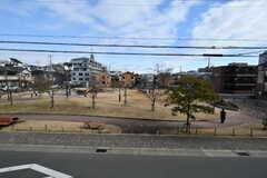 建物の目の前は公園です。(2018-01-25,共用部,OTHER,2F)