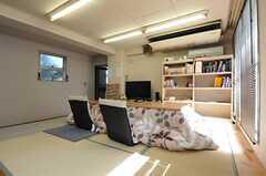小上がりスペースの様子。日当り良好です。(2014-03-11,共用部,LIVINGROOM,2F)